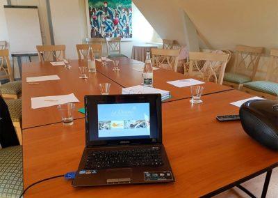 Hotel-La-Desirade-salle-séminaire-réunion