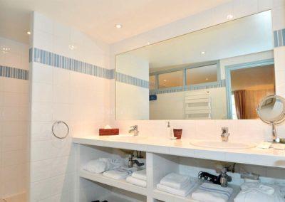 Coup de coeur-Hotel-La-Desirade- Bangor-chambre-salle de bain