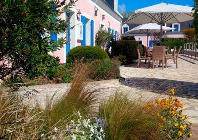 Hotel-La-Desirade-réception-accueil-terrasse
