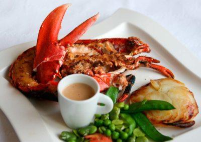 Hotel-La-Desirade-restaurant-plat-menu homard