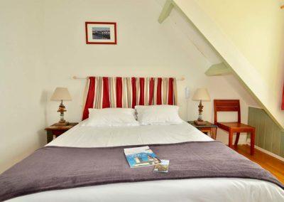 Hotel-La-Desirade-chambre-appartement-lit-famille