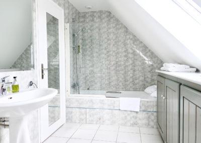 Hotel-La-Desirade-chambre-cosy-salle de bain