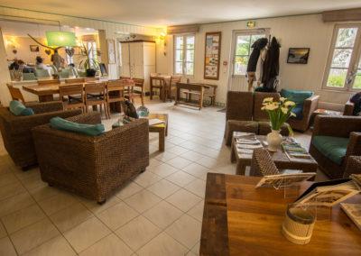 Hotel-La-Desirade-réception-accueil